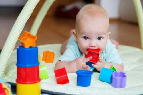 Yeni Doğan Bir Bebekle Eğlenmek ve Oynamak İçin Öneriler