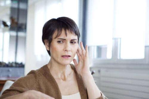 Müzikal Kulak Sendromu Nedir ve Nasıl Tedavi Edilir?