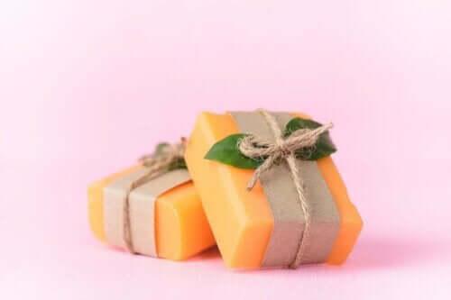 İki adet şık paketli papaya sabunu