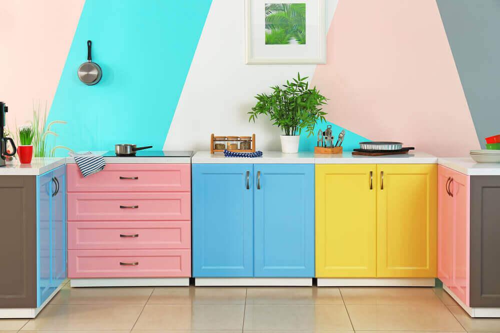 rengarenk mutfak dolapları