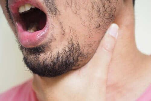 Boğazınıza Sıkışan Kılçık Nasıl Çıkarılır?