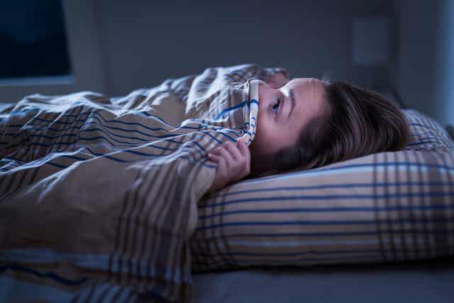 gece uyuyamayan kadın