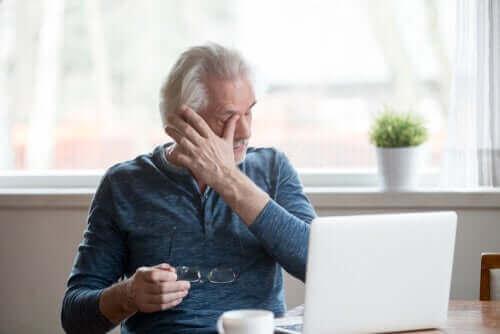 Ekran Kullanımına Bağlı Göz Kuruluğu Semptomlarını Önleme İpuçları