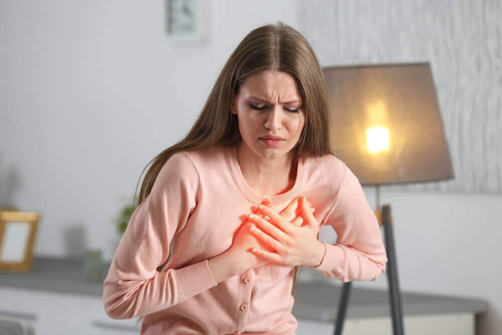 kalbi acıyan kadın