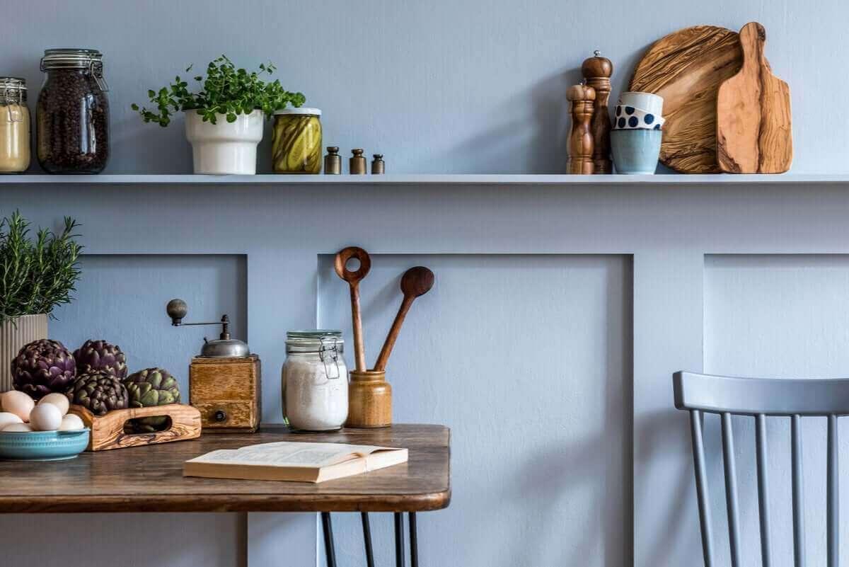 mutfak duvarı ve masası