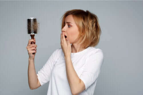 Emzirirken Saç Dökülmesi: Nasıl Başa Çıkılır?