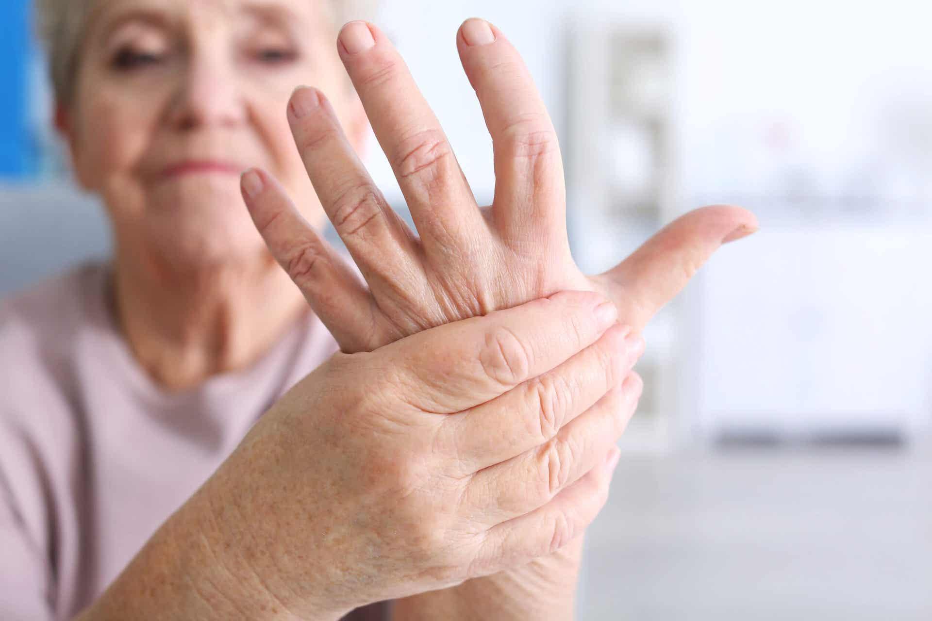 el eklemlerinde ağrı