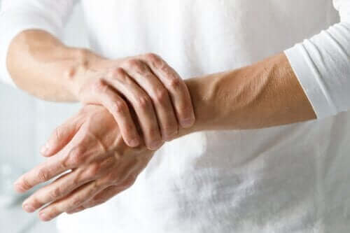 Karpal Tünel Sendromu mu Artrit mi?