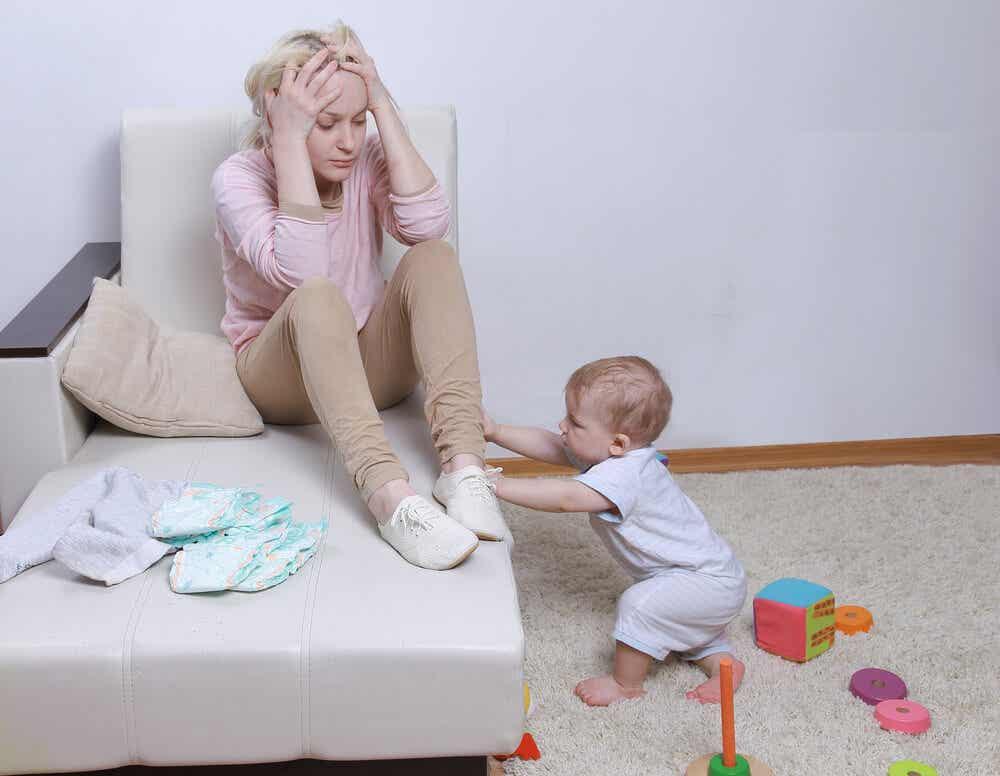 yaramaz bebek ve çaresiz anne
